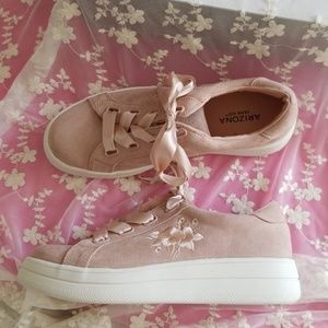BRAND NEW BLUSH SNEAKERS